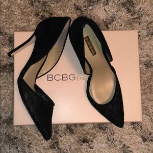 Suede lace pointed toe BCBG heel 🔥